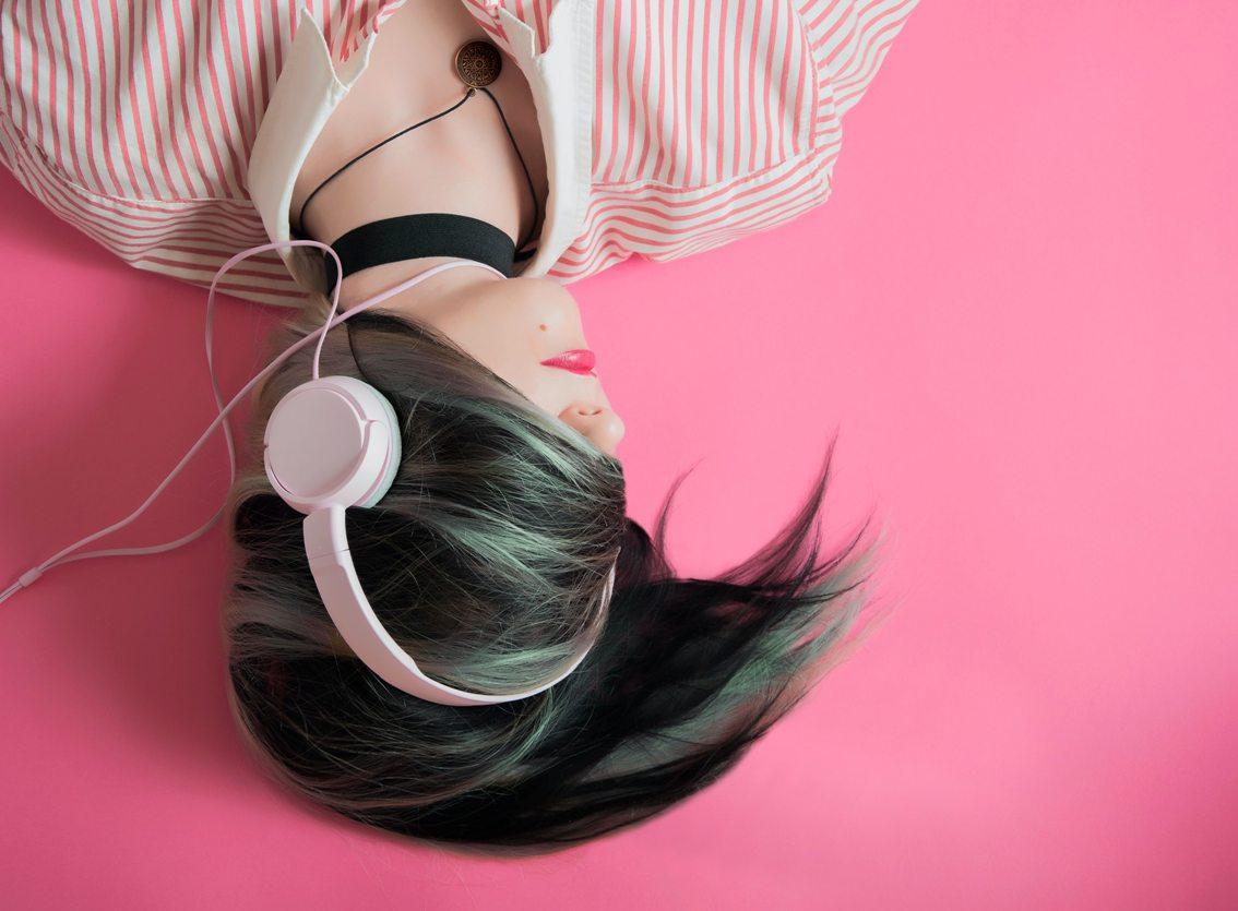 jago bahasa inggris dengan mendengarkan musik