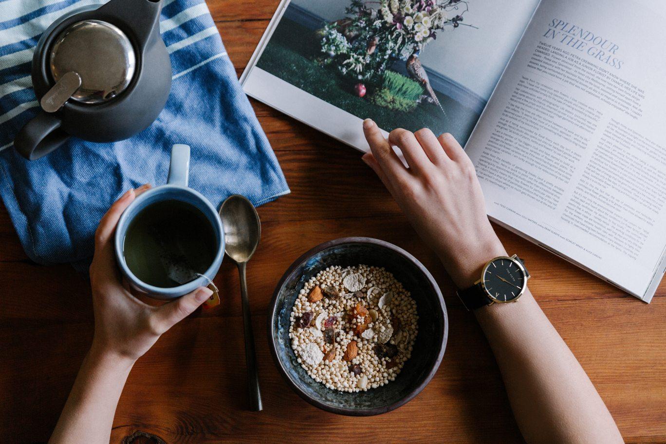 jago bahasa inggris dengan membaca buku, artikel, dan berita