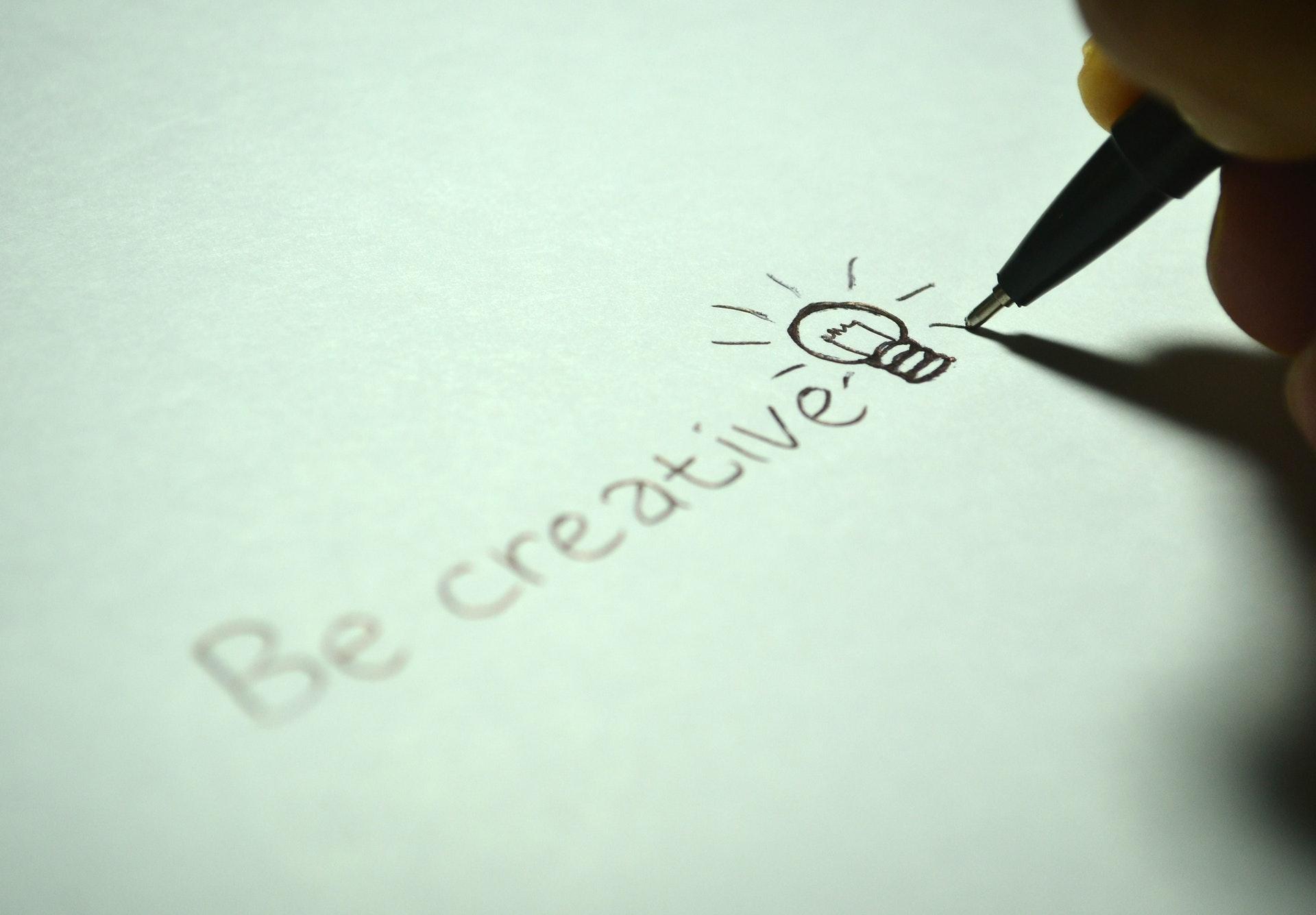 melatih kreativitas