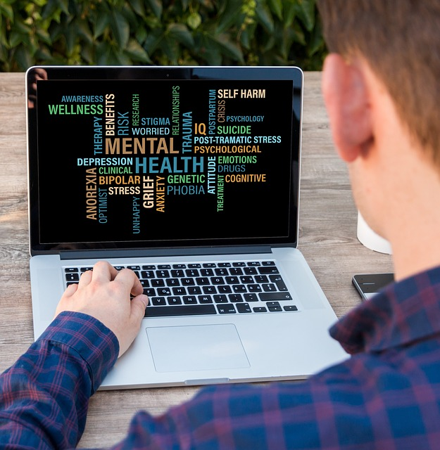 manfaat dan kerugian media sosial pada anak