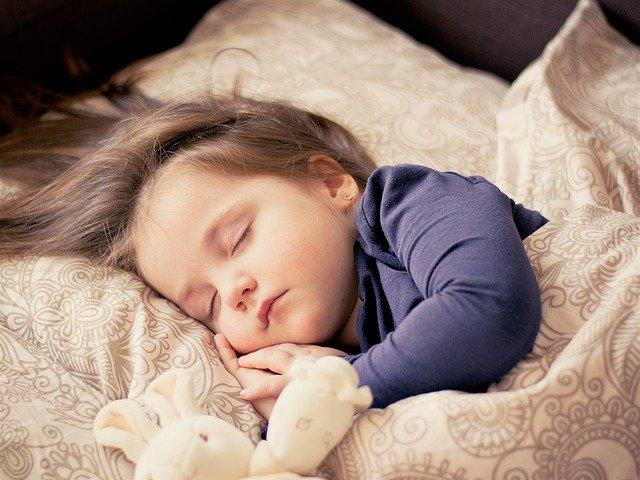 tidur tepat waktu untuk kembali ke sekolah