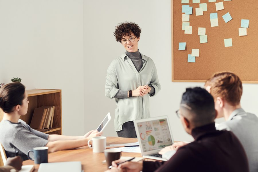 tips presentasi adalah dengan meningkatkan rasa percaya diri